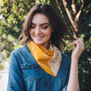 🆕 Two-toned Western Bandanna Scarf